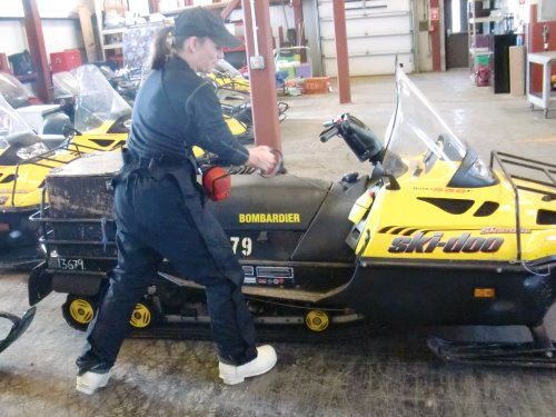 Manually starting the snowmobile