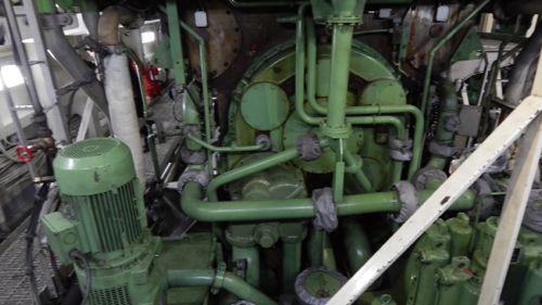 Engine end