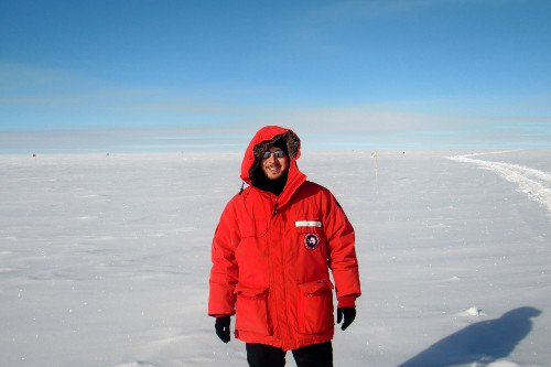 Ready to work with the ARA detector at the South Pole.