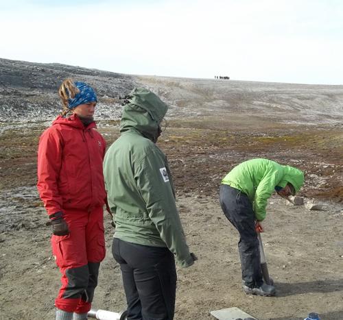 Svalbardkurset descends upon the north boat park