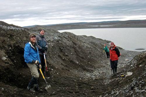 excavate team
