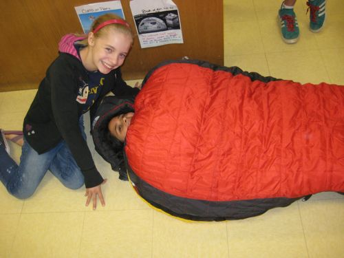 Students Test Out A Sleeping Bag Designed To Keep You Warm In 40 Degree Celsius Temperatures