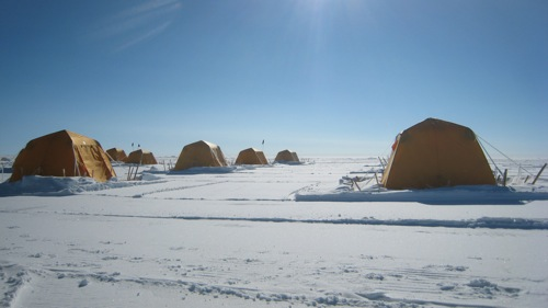 Yellow Arctic Oven tents on the Greenland Ice Sheet : artic tents - memphite.com