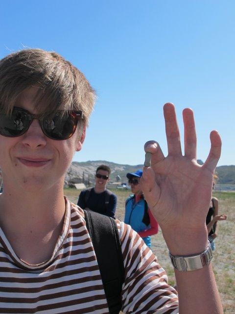 Emil finds a peanut shaped concretion