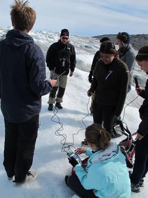 Team atmosphere collects data on the ice edge