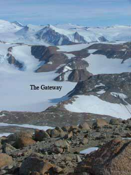 The Gateway leading onto the Beardmore Glacier.