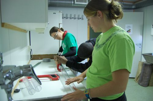 Cutting tubes for core samples