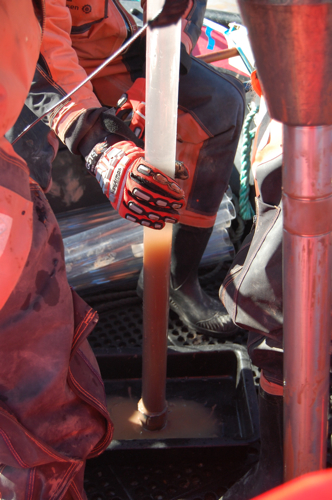 Daren prepares a sediment core