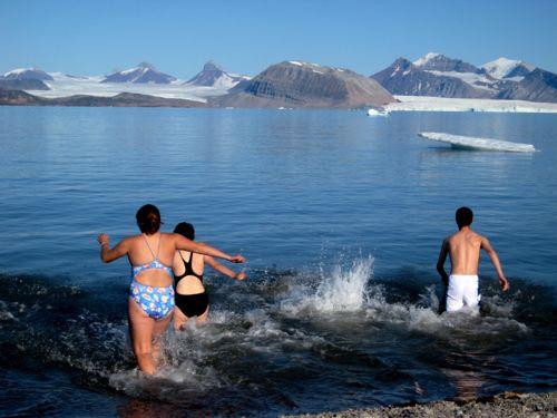 Polar Plunge club goes in