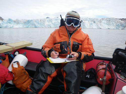 Liz records GPS coordinates