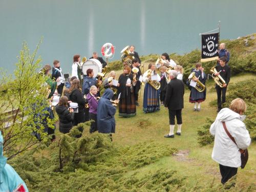 The Halsa band plays