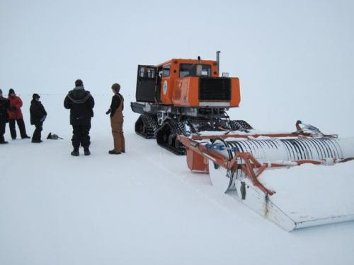JSEP group grooms the skiway in the Tucker