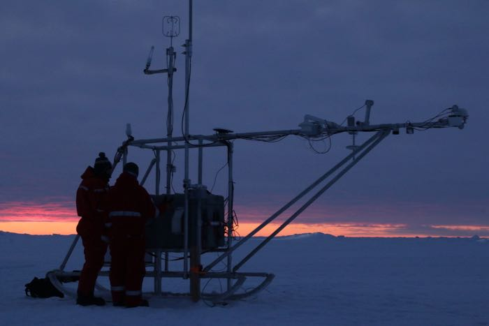 Meteorological station on the ice