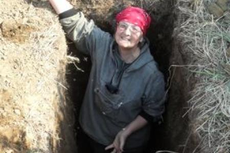 Jodi in her hole