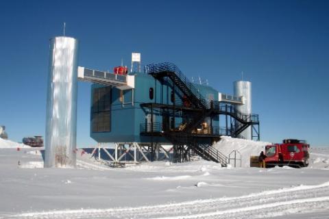 January 12: The IceCube Laboratory (ICL) near the Amundsen-Scott South Pole Station.