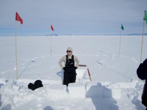 Happy Camper instruction on making snow blocks.