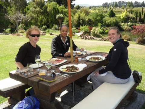 Lunch in the Waipara Valley