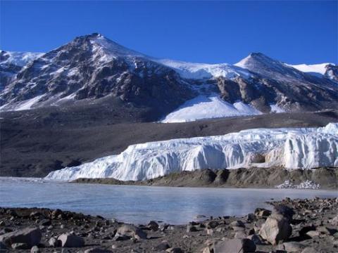 Taylor Glacier, Antarctica, Lindsay Knippenberg. PolarTREC 2009.