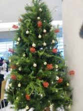 Airport christmas tree