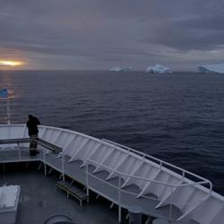 Joe Super and icebergs, sunset, South Greenland