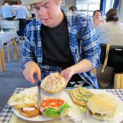 Kurt explains the art of Greenlandic sandwiches